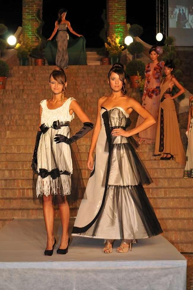 Scuola di Moda Vitali, Sfilata di Moda Trepponti di Comacchio, abiti realizzati dagli studenti di fine corso