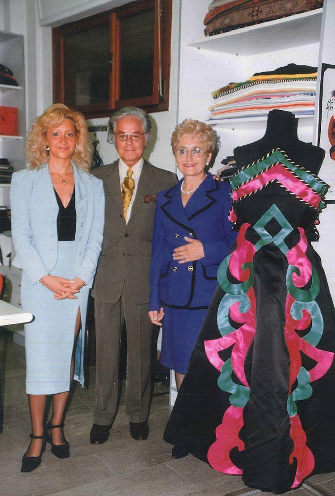 Roberto Capucci con Nadia e Silvia - Scuola di Moda Vitali